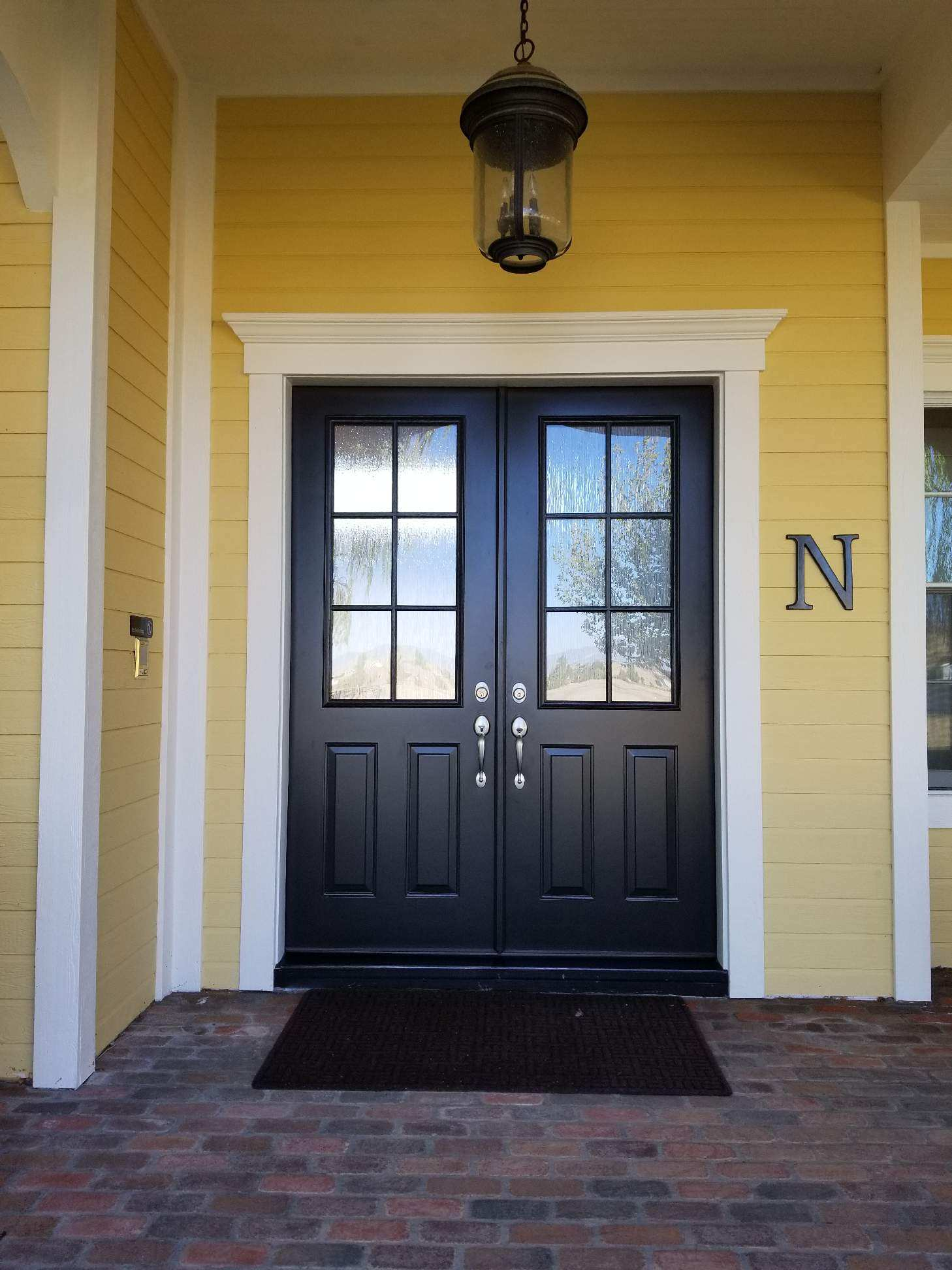 Arizona Window and Door in Scottsdale and Tucson showing entryway door with windows