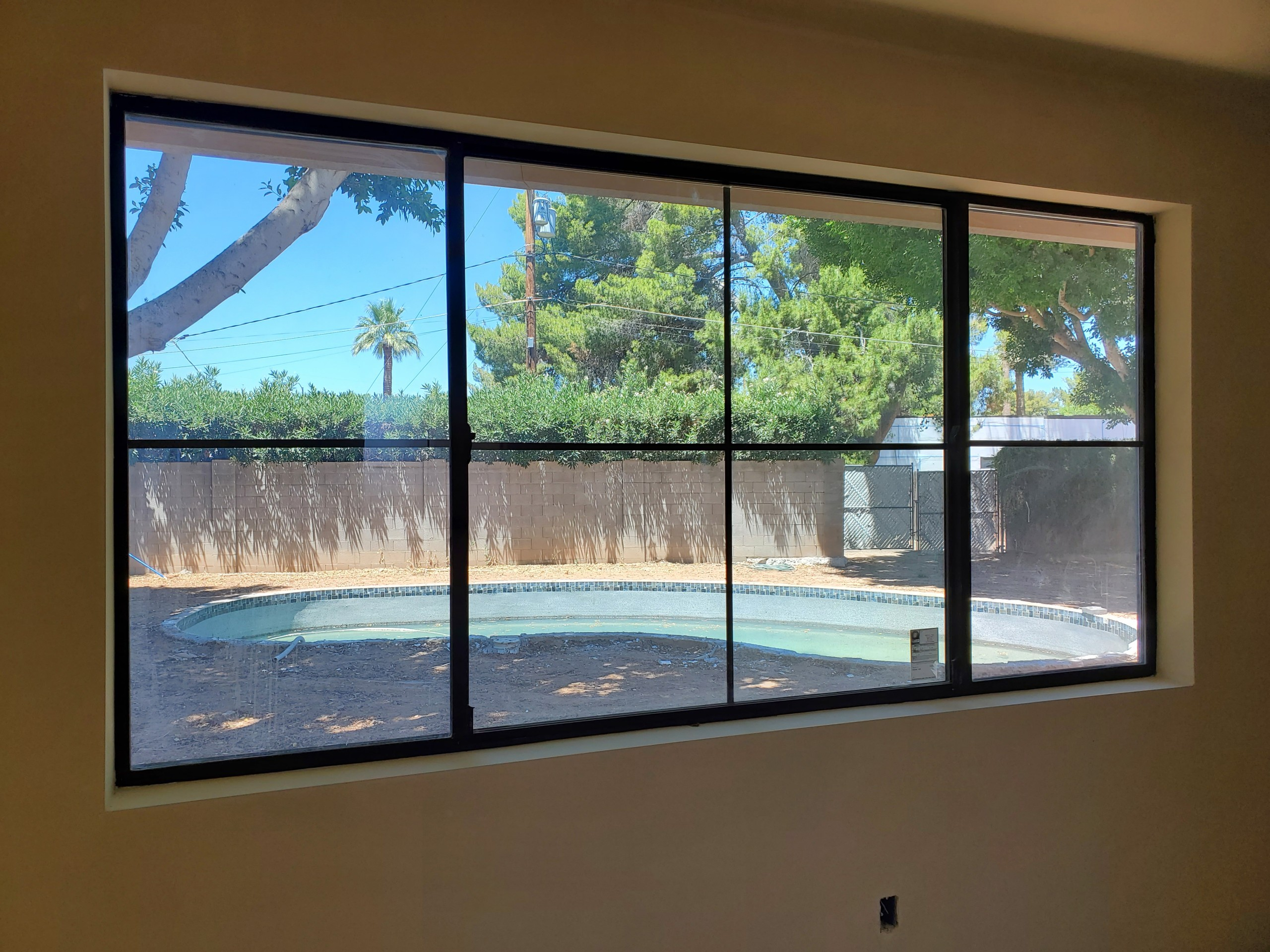 Arizona Window and Door in Scottsdale and Tucson showing black paneled windows