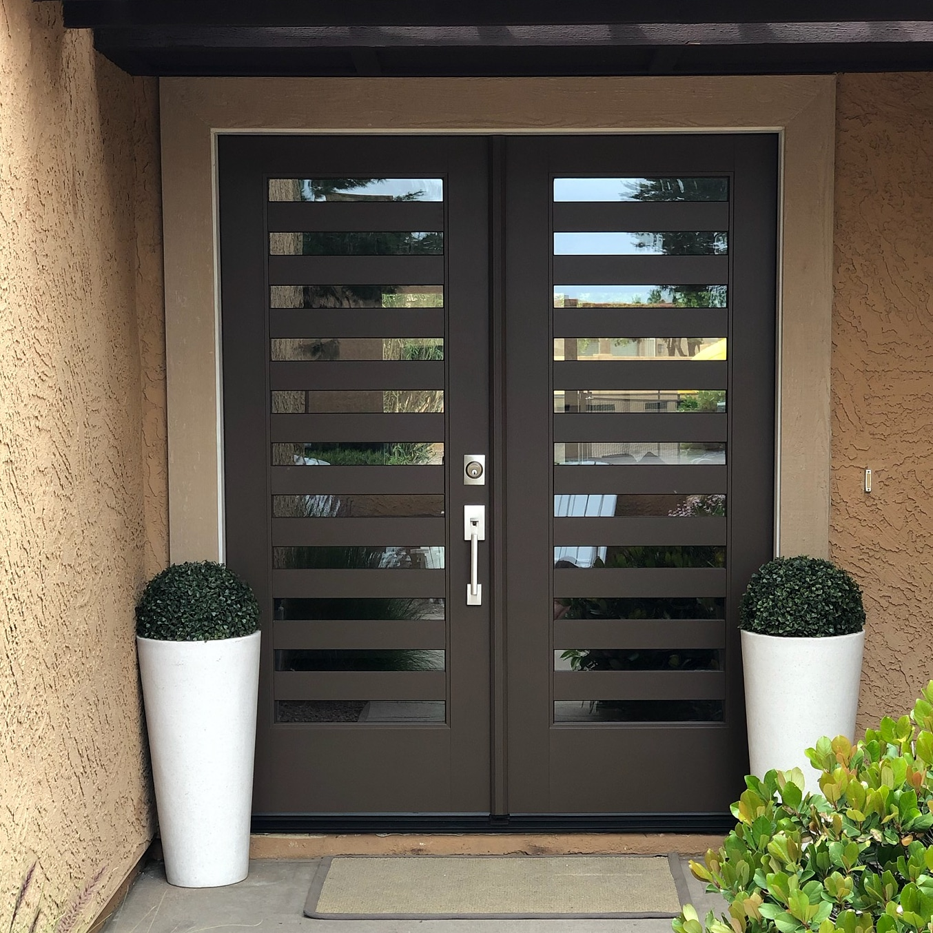 Arizona Window and Door in Scottsdale and Tucson showing front door with small windows