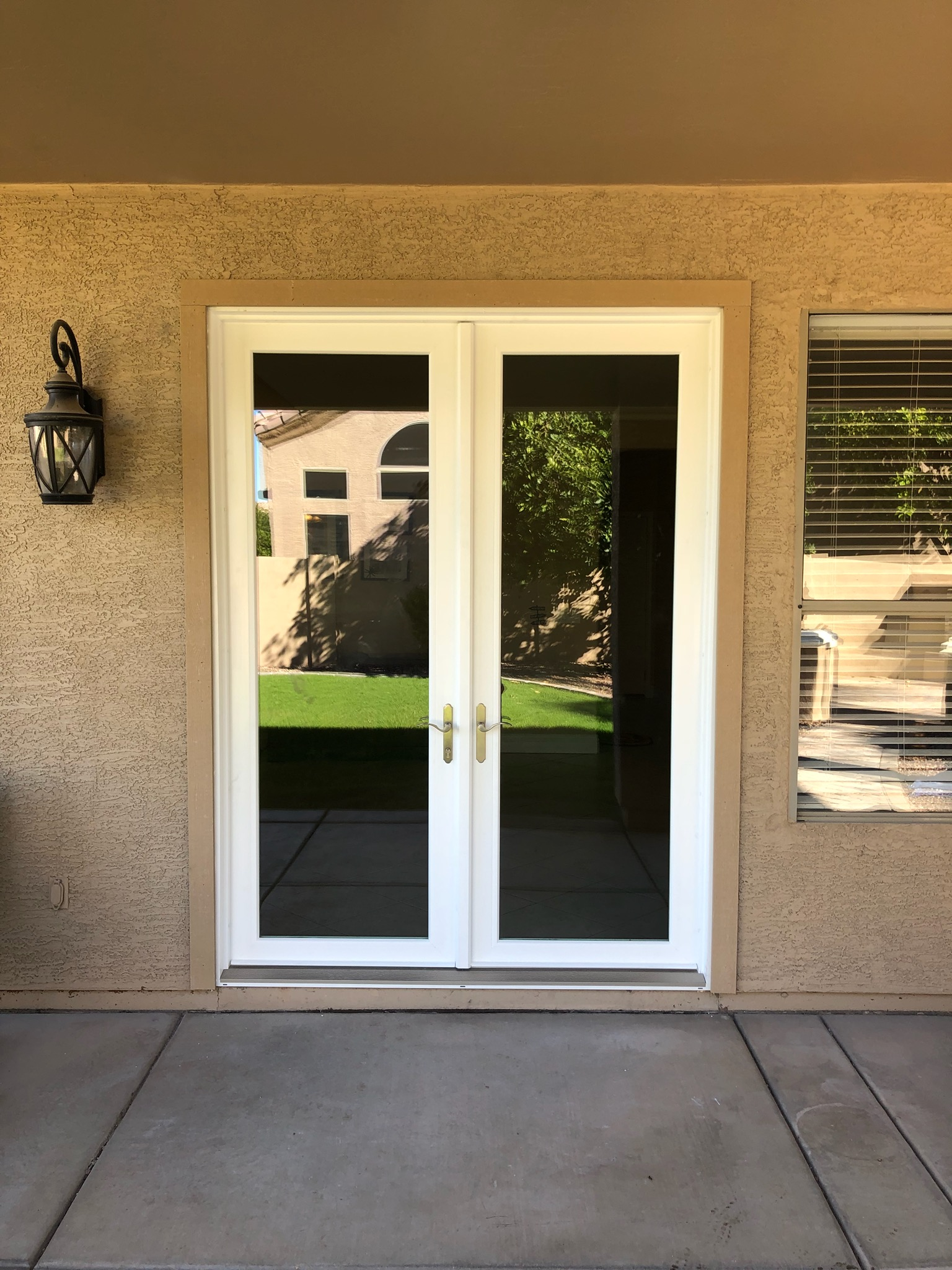 Arizona Window and Door in Scottsdale and Tucson showing french doors on patio
